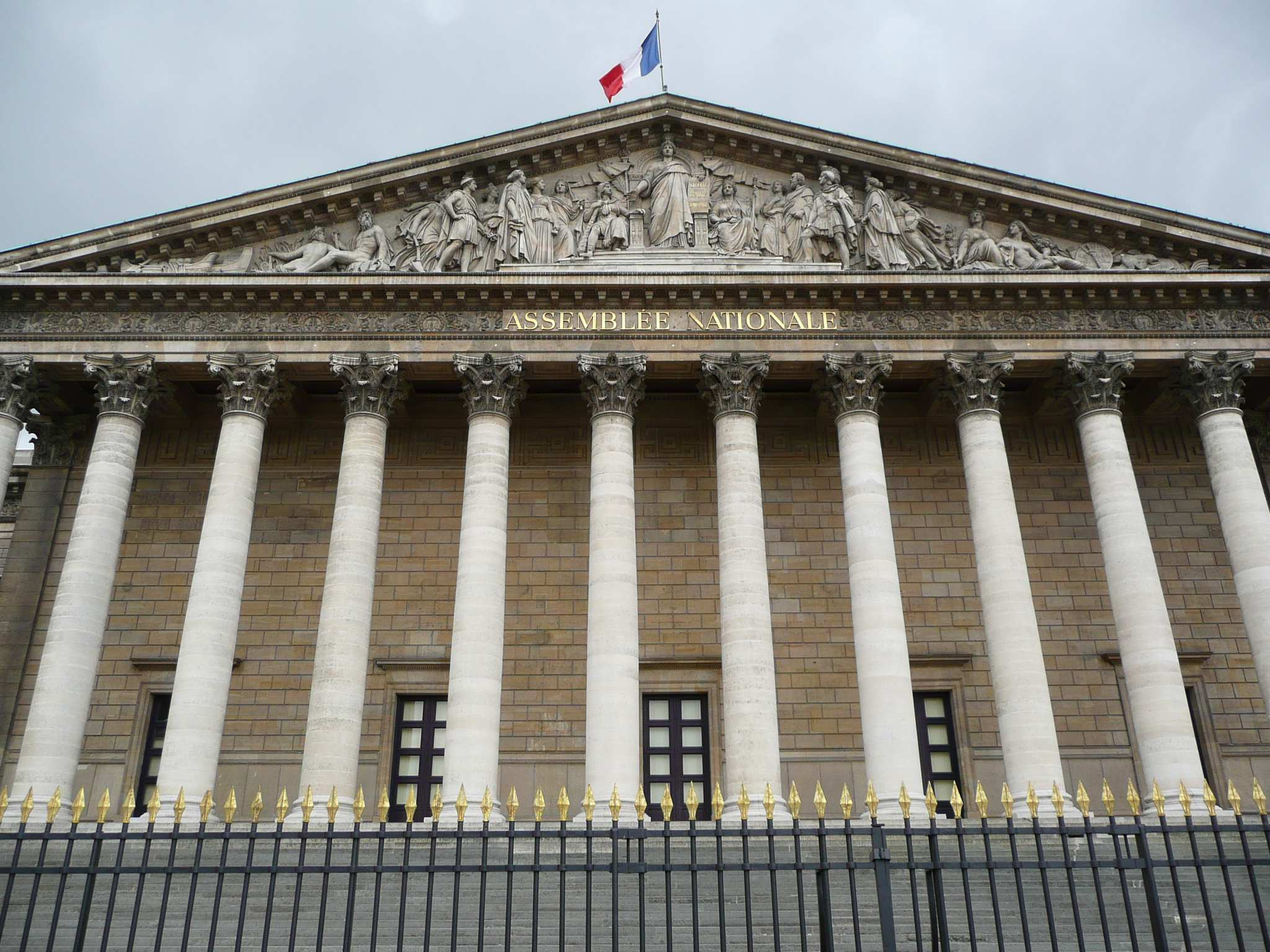 http://barbe4.free.fr/Wordpress/wp-content/assemblee_nationale.jpg
